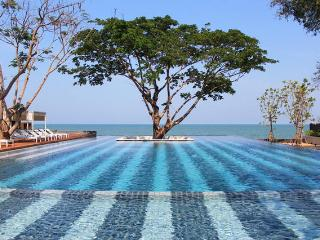 2 BR Beach front condo at Hua Hin with Pool view, Cha-am