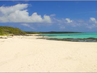 Beachside Creole Villa, Isla Rodrigues