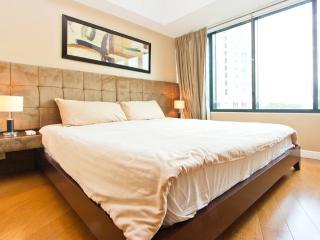 1BR Loft Apartment OneRockwell East, Makati