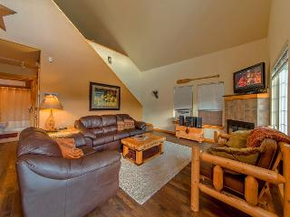 Cozy Cabin in Roslyn Ridge!  Slps 8 | Fall Specials | WiFi, Ronald