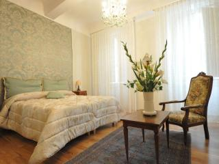 LUXURY CAVOUR - Wonderful flat in Florence's heart