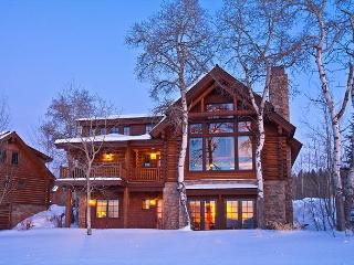5 Bedroom Luxury Log Cabin - Sleeps 12!