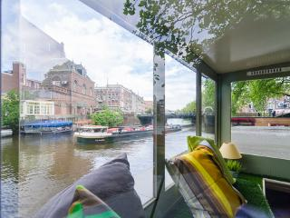 Sweet BARGE, city center walking distance, Amsterdam