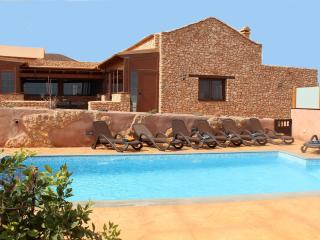 Amazing villa with private pool, Puerto del Rosario