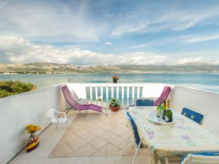 Beachfront apartment Neva with beautiful terrace, Arbanija