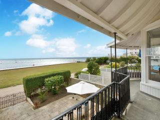 Panoramic sea views from our beach front home., Bognor Regis