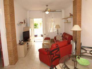 Beautiful Ground Floor Apartment - Albatros Complex