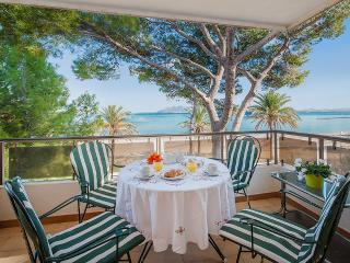 JULY 30% OFF! BEACH FRONT APARTMENT RAN DE MAR WITH BEAUTIFUL VIEWS & SAND BEACH