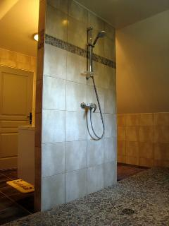 showerroom 2