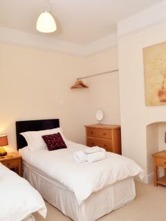 Bell One, Twin or Double - Accommodation for 12 guests max, in up to 10 individual beds or 5 doubles
