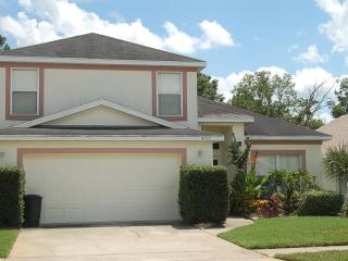 4912 4 bed 2.5 bath private pool near Disney and 192, Kissimmee