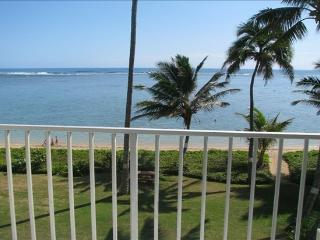 Peaceful Punaluu! 1 Bd Beachfront Condo