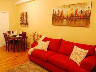 Clean and comfortable UES 1 Bed near some of New York's finest attractions
