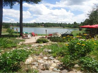 Charming Lake View Cottage Suite in Lake Side Acres Community