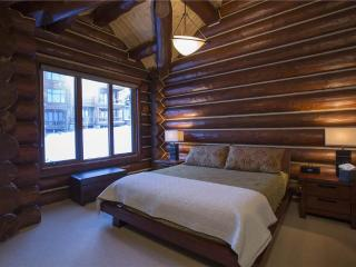 Townhome on the Creek - 4 Bedroom Townhome + Private Hot Tub #135 - LLH 58174, Telluride