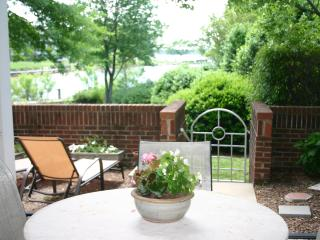Prime Waterfront Condo on Lake Norman - 1st Floor - Pet Friendly - Boat Slip - 3 Bed 2 Bath