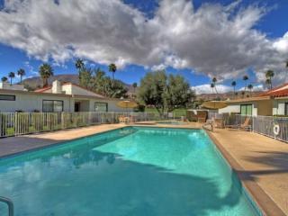 CE4 - Rancho Las Palmas Country Club - 3 BDRM, 2 BA
