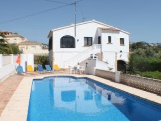 Flandes - traditionally furnished detached villa with peaceful surroundings in Benissa