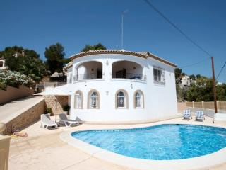Villablanc - holiday home with private swimming pool in Benissa