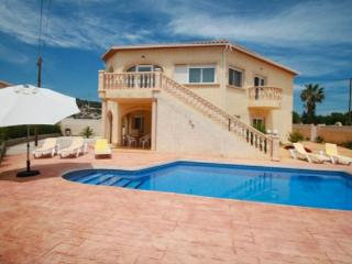 Elia - holiday home with private swimming pool in Calpe