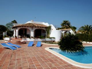 El Barraco - sea view villa with private pool in Moraira