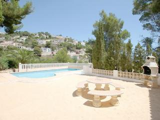 Frajapie Spanish style villa holiday home