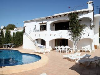 Jonur 10 - holiday home with private swimming pool in Moraira resort