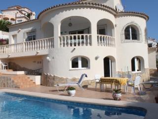 Vista al mar - sea view villa with private pool in Moraira