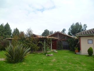 CASITA ROJA, country house and horses, Guasca