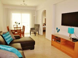 Bright 2 bedroom apartment very near the sea, Larnaka City