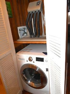 ML207 new washer/dryer plus boots/gloves drying station