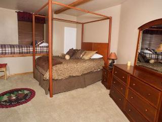 Four Happy Bears Estate #1277 ~ RA45981, Big Bear Region