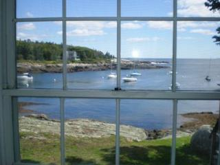 EDGE OF THE SEA | OCEANFRONT | OCEAN POINT | EAST BOOTHBAY MAINE | LIGHTHOUSES