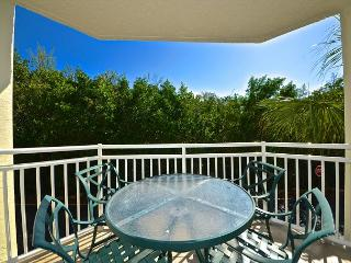 Jamaica Suite Charming condo near the beach! Pool and hot tub access!, Key West