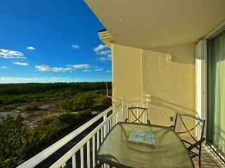 Panama Suite #310 - 2/2 Condo w/ Pool & Hot Tub - Sunset View, Key West