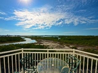 Salt Cay Suite Serene views! Condo nearby Smathers beach! Treat yourself!, Key West