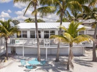 Endless Summer beautiful Beachfront Cottage Mid Island - Code: Endless Summer, Fort Myers Beach