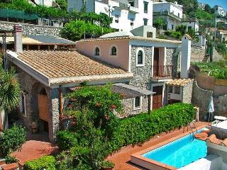 Cherubina, Amalfi