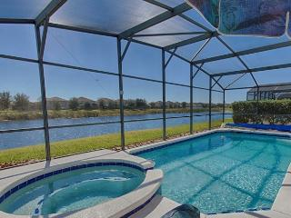 LAKE FRONT!! 9 MILES to DISNEY!! SOUTH Facing POOL/SPA!!  6 Bdrm/4 Bath