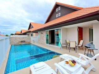 The Ville Pool Villa Grande 3 Bed (A15), Pattaya