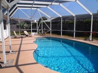 Beach & Pool Vacation Home near Daytona, Ormond Beach