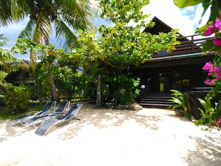 Maharepa Beach by ENJOY VILLAS