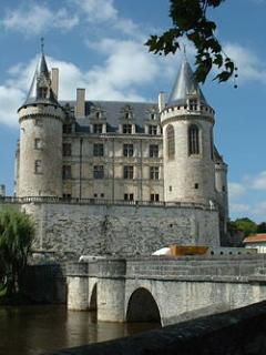 La Rochfaucauld is only 13 kms away, with its beautiful Chateaux