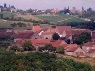 The hamlet of Noizeret among the Burgundy vineyards with local producers nearby.