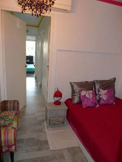 bedroom is arranged in the entrance - cosy and airconditionned