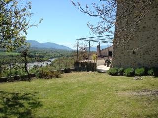 Grand jardin clos vue sur la Durance