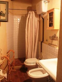 il bagno al piano di mezzo