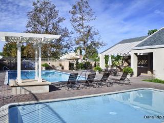 Laguna Retreat w/ PoolTable, Backyard, Pool & Spa