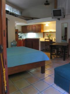 Cottage Baja-Double Bed & Single Bed-Kitchen, Bathroom & Walk-in Closet
