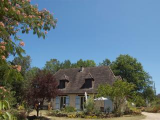 Friendly B&B nr Sarlat king size bed free parking, Sainte Nathalene